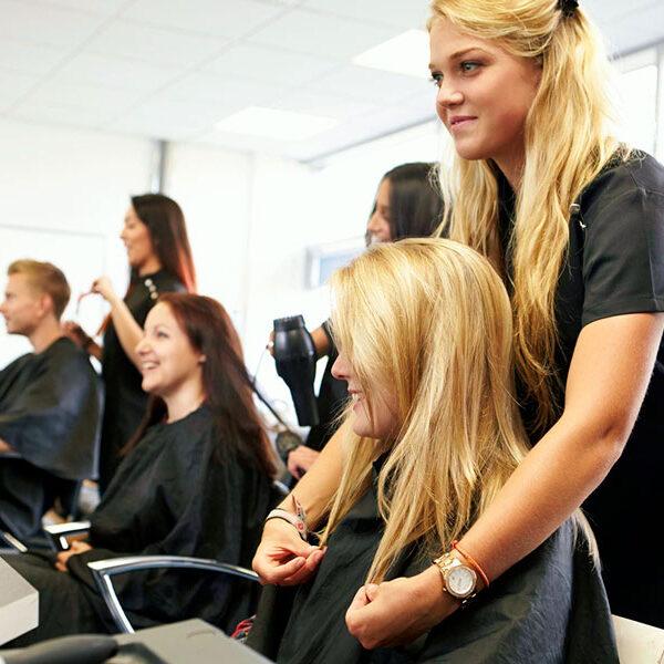 Обучение на парикмахера - прически